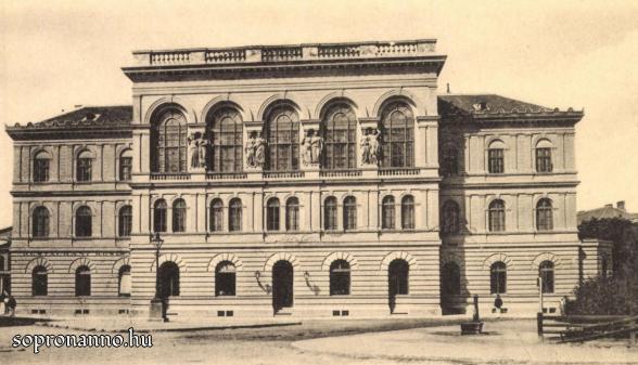 Széchenyi tér - Kaszinó