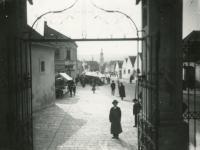 Búcsú egykor a Szent Mihály utcában