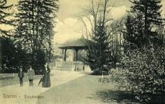 Zenepavilon az Erzsébet-kertben