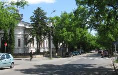 Kossuth utca a vasúti átjáró felől