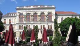Széchenyi tér - Liszt Ferenc Művelődési Központ