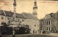 A Fő tér a Storno-házzal