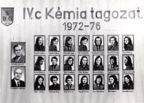 A Berzsenyi Dániel Gimnázium 1976-ben végzett IV.C. osztályának tablója