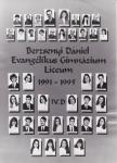 A Berzsenyi Dániel Gimnázium 1995-ben végzett IV.D. osztályának tablója