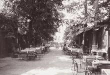 A Deák étterem kerthelyisége 1980 nyarán