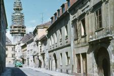 A Kolostor utca és a Tűztorony