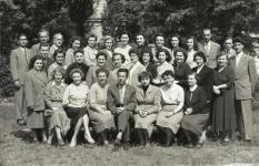 A Ferenczy János utcai iskola tantestülete 1957 körül