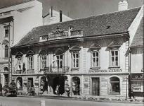 A Füredi-ház Hackstock Károly vaskereskedésével