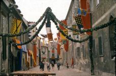 A koldus és királyfi című film díszletei a Kolostor utcában