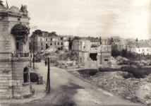 A Mátyás király utca 1945-ben