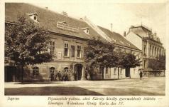 A Pejacsevich-palota a Petőfi téren