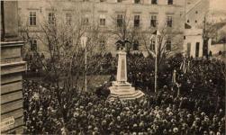 A Rothermere-emlékmű avatása