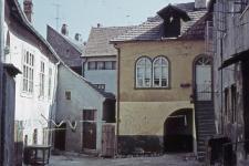 A Várkerület 31. számú ház udvara a kapualj felől
