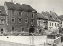 A Vasalóház építése