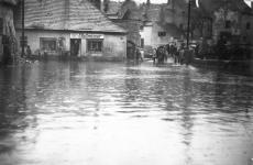 Árvíz az Ikván 1965-ben a Rózsa utcánál