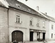 Az Ötvös utca 8-as számú ház egykor