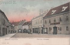 Az Ötvös utca az Arany Kakas szállodával