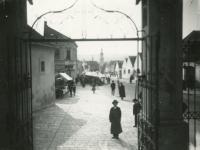 Búcsú a Szent Mihály utcában