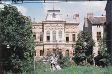 Deák Ferenc szobra és a Russ-villa