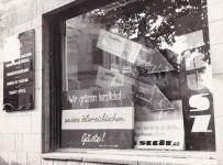Egy soproni kirakat 1961-ben