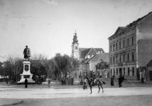 A Széchenyi tér déli oldala az 1900-as évek elején