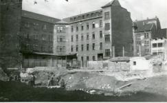 Leletmentés a posta épülete mögött 1989-ben
