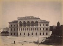 Pillantás a Kaszinó épületére az 1800-as évek végén