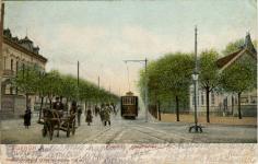 Villamos a Kossuth Lajos utca elején