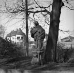 Nepomuki Szent János szobra az Erzsébet-kertnél (Diebold Károly 1942)