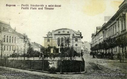 A Petőfi tér az új színházzal és a Liszt Ferenc-szoborral