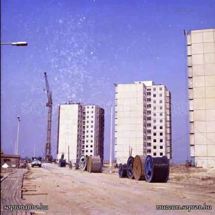 Az egykori Felszabadulás utca 1977-ben
