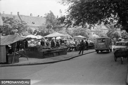 Pillanatkép a régi piacról