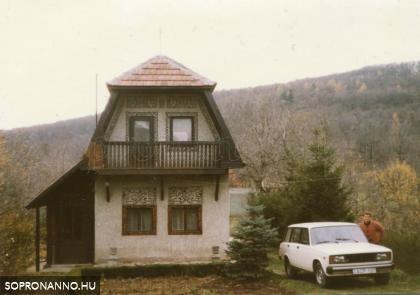 A Hársfa sor 23. 1988 körül