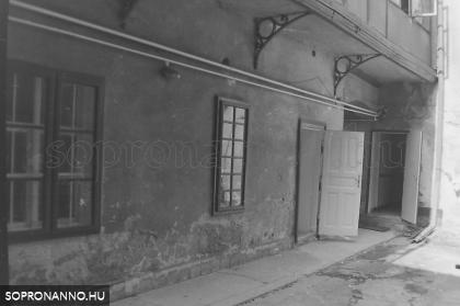 A Várkerület - Lenin körút - 114.- udvar