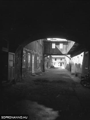 Újteleki utca 14.