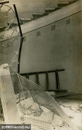A leszakadt lépcső