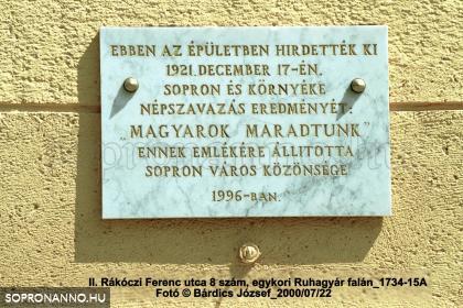 7017 szótöbbséggel magyarok maradtunk!