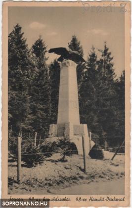 A 48-as gyalogezred emlékműve korabeli képeslapon