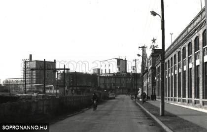A Baross utca az 1970-as években
