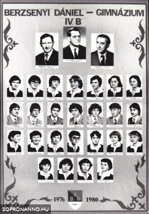 A Berzsenyi Dániel Gimnázium 1980-ban végzett IV.B. osztályának tablója