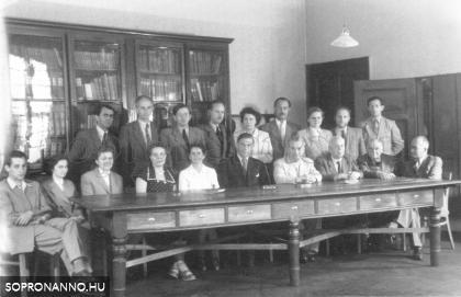 A Berzsenyi Gimnázium tanári kara 1955-ben