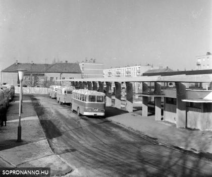 A buszpályaudvar 1967-ben