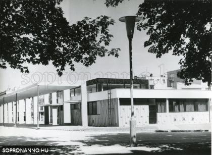 A buszpályaudvar az 1960-as évek végén