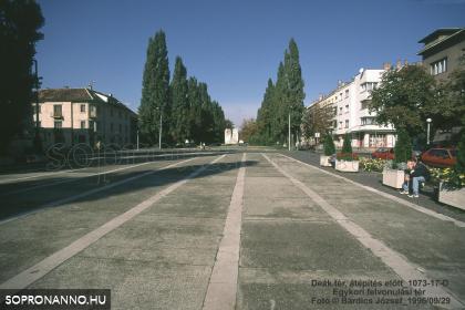 Az egykori felvonulási tér