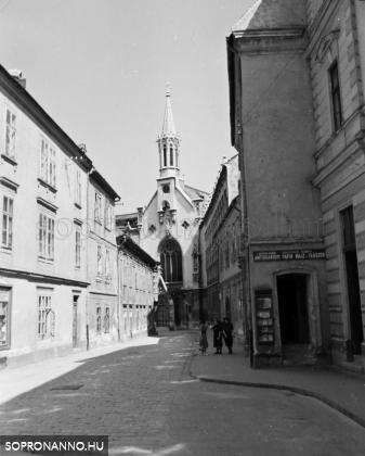 A Fegyvertár utca 1943-ban