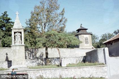 A Fehér-kereszt és az Esernyős ház