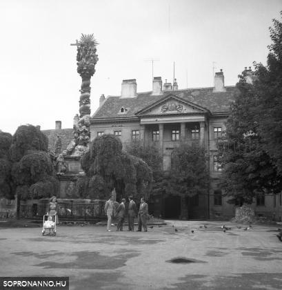 A Fő tér 1957-ben