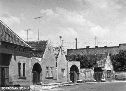 A Hátulsó utca az 1960-as években