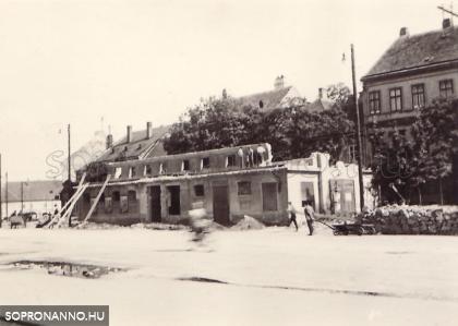 A Húscsarnok részben elbontott épülete