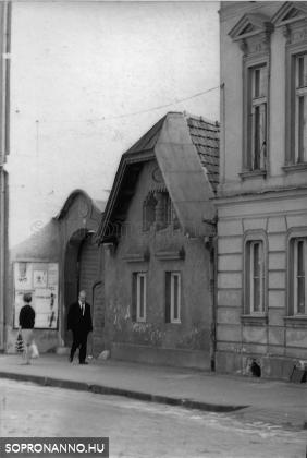A II.Rákóczi Ferenc utca 7-es számú ház 1970 körül